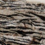 Fourrure en bande finement tigrée
