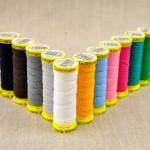 Bobine fil élastique à smocks 14 couleurs