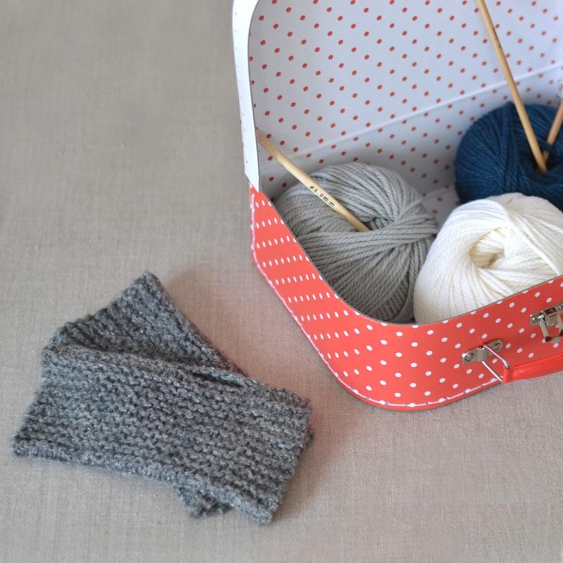 kit tricot crochet enfant valisette bambi vintage r tro 100 laine apprendre. Black Bedroom Furniture Sets. Home Design Ideas