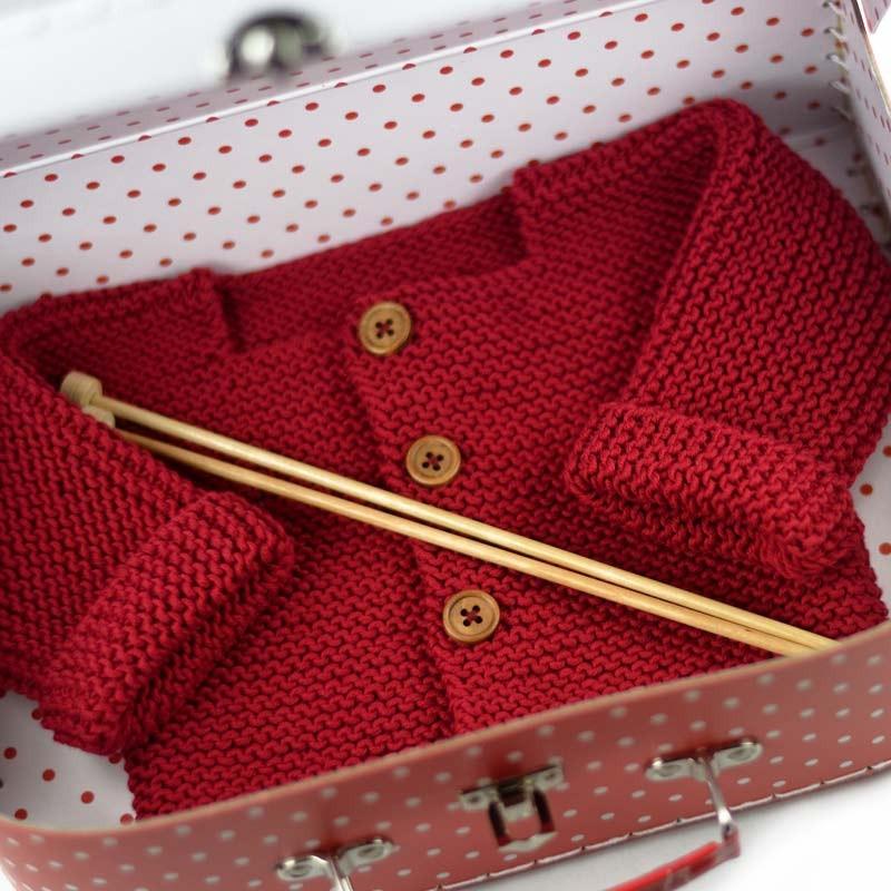 kit tricot gilet b b dans valisette a a patrons. Black Bedroom Furniture Sets. Home Design Ideas