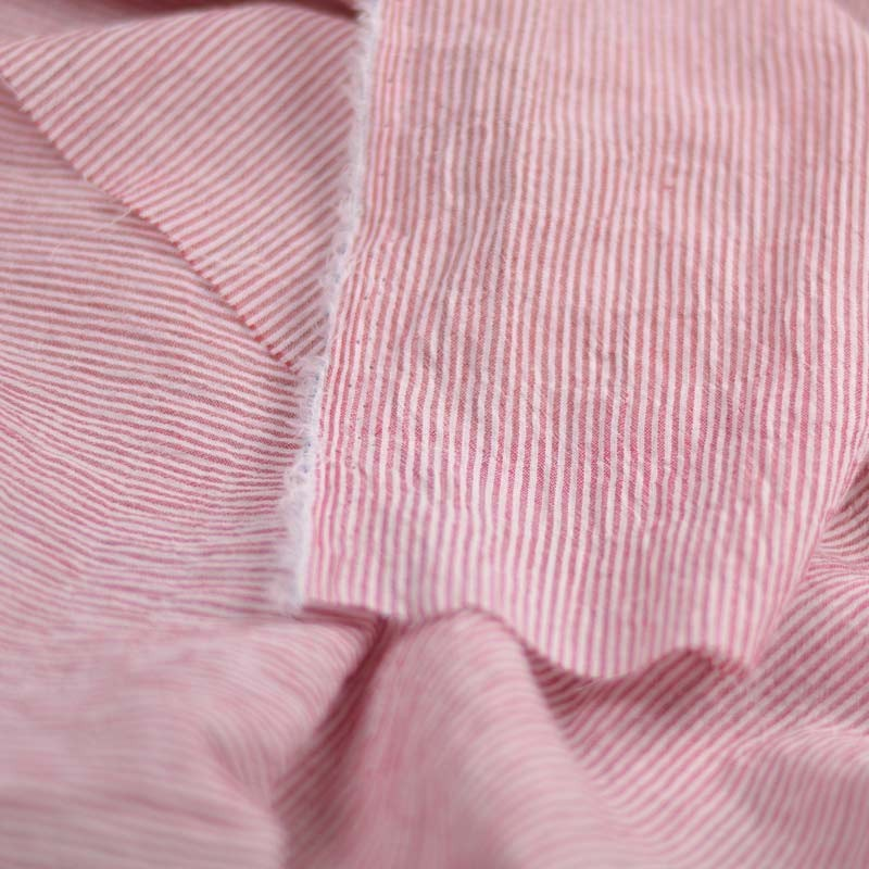 tissu coton rayures rouge et blanc a a patrons. Black Bedroom Furniture Sets. Home Design Ideas