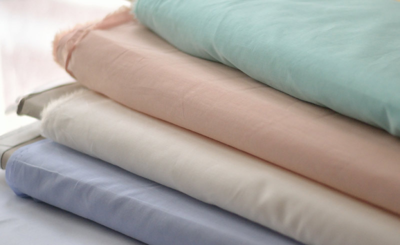 Tissu voile de coton uni couleurs d'été