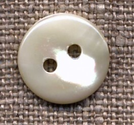 Bouton 2 trous nacre diamètre 13 mm