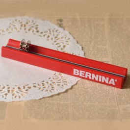 Range canette aimanté bernina rouge