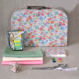 Kit couture grande valise fleurie