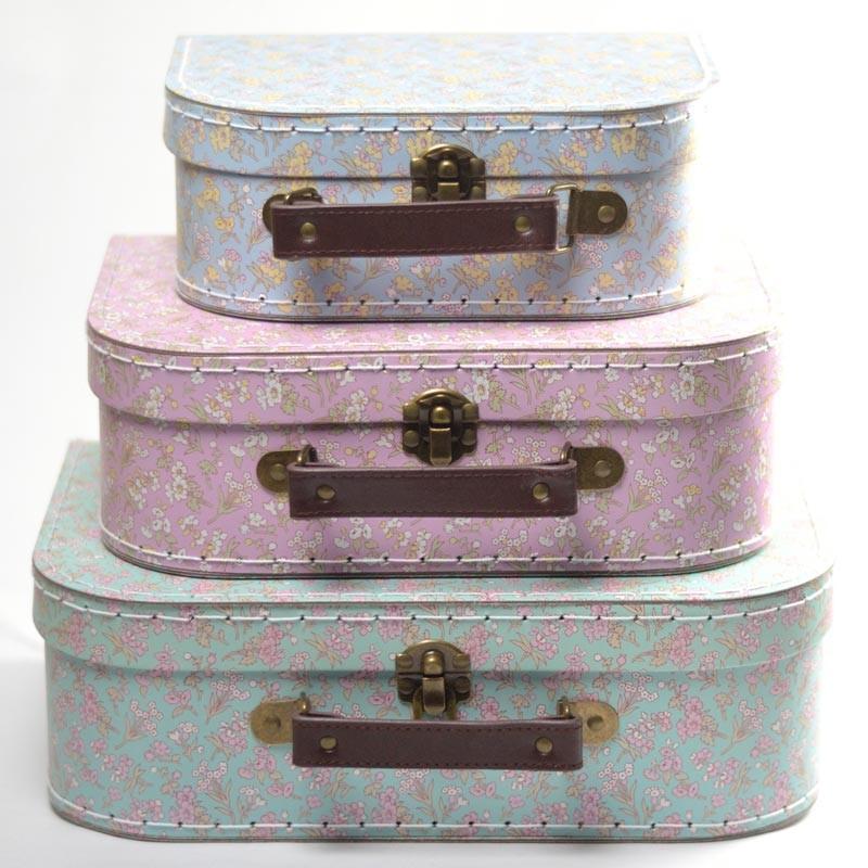 Boite couture id e cadeau valisette carton fleurs pour for Acheter boite a couture