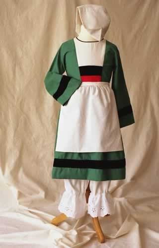 d guisement b cassine patron couture robe et kit a a patrons. Black Bedroom Furniture Sets. Home Design Ideas