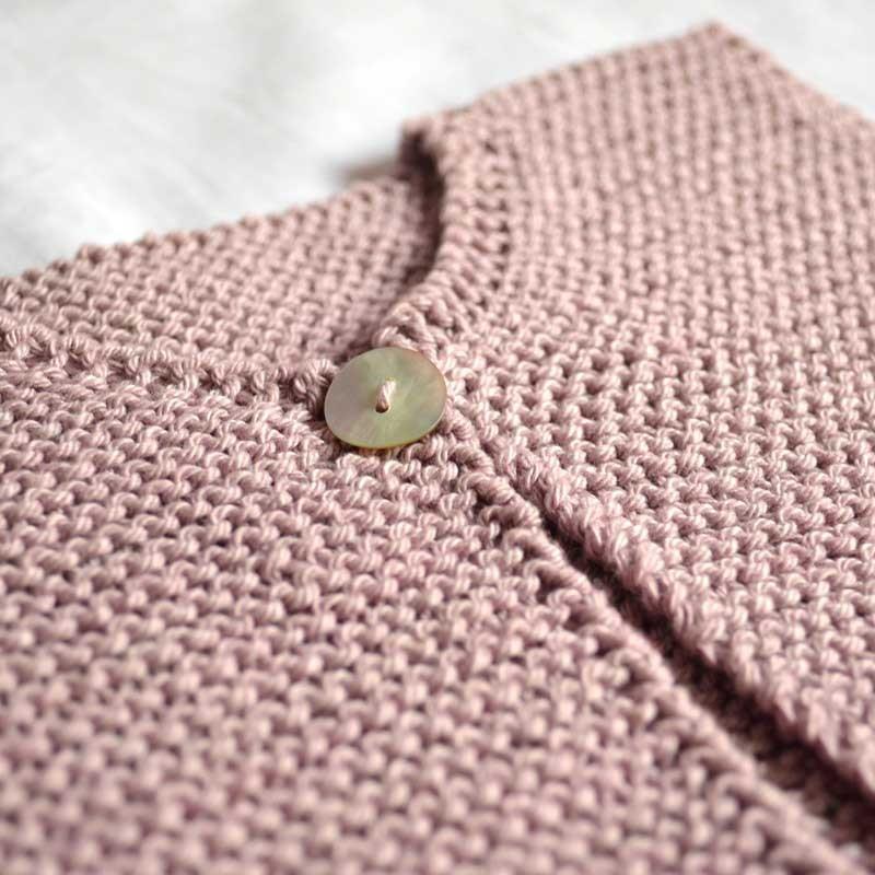 Modèle tricot bébé gilet Elie - A&A Patrons