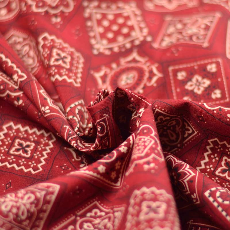 tissu coton bandana patchwork a a patrons. Black Bedroom Furniture Sets. Home Design Ideas