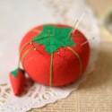 Porte épingle tomate tissu