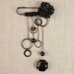 Epingle perle laine et chainettes