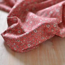 Tissu voile de coton Bio à fleurs corail rose à coudre au mètre