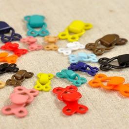 Crochet déco plastique couleur