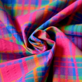 Tissu madras rose, bleu et jaune effet gaufré