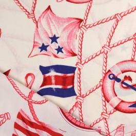 Tissu marin, ficelle, rose des vents, drapeaux et vieux gréements à voile