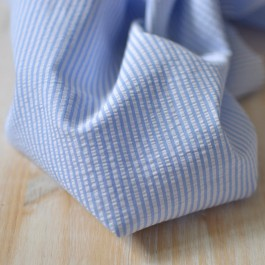 coton seersucker coton Bio rayures bleu clair couture bébé