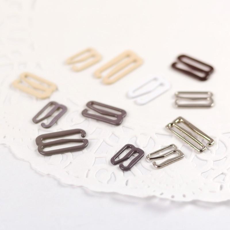 diversifié dans l'emballage clair et distinctif fréquent attache bretelle métal