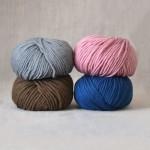 Laine Pacha de Fonty rose, gris, brun et bleu foncé