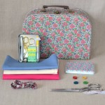 Kit couture moyenne valise fleurie