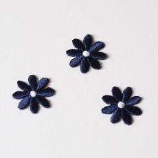 Ecusson fleurs brodées bleu marine à thermocooler