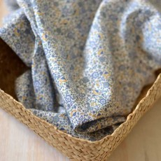 Tissu voile de coton fleuris petites fleurs bleu Bio