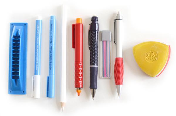 Crayon, feutre et craie pour tracer sur le tissu