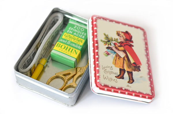 Vintage Christmas sewing kit