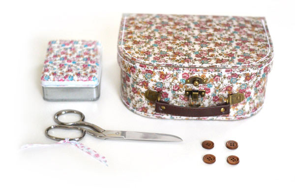 Small sewing kit box
