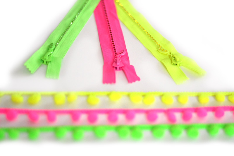 rhinestones zipper and fluorescent pompom braid